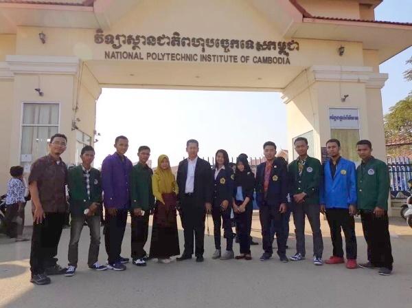 Mahasiswa Teknik Informatika Politeknik TEDC Double Degree di NPIC Cambodia