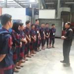 Mahasiswa Alat Berat Training di Malaysia